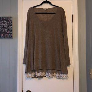 Umgee Long Sleeved Tunic/Sweater